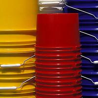Tobos de colores plástico