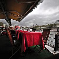"Inside the french barge ""La Balle au Bond"""