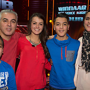 NLD/Hilversum/20140221 - Finale The Voice Kids 2014, Ouders van Ayoub Haach met hun dochter en zoontjes