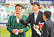 Kevin Pietersen tosses the coin before the fourth Test at the Oval with South Africa captain Graeme Smith watching on the 7th of August 2008..Photo by Philip Brown.www.philipbrownphotos.com