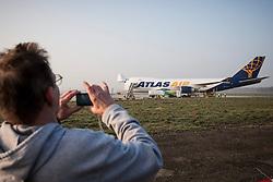 08.03.2014, Graz Thalerhof, AUT, Red Bull Airrace, im Bild Landung einer Boeing 747 der Atlas Air (USA) am Flughafen Graz Thalerhof. Die Frachtmaschine transportiert Equipment für das Red Bull Airrace in Rovinj (CRO) // Landing of a Boeing 747 of Atlas Air, The cargo plane transported equipment for the Red Bull Air Race in Rovinj (Croatia) at the Airport Graz Thalerhof, Austria on 2014/03/08. EXPA Pictures © 2014, PhotoCredit: EXPA/ Erwin Scheriau