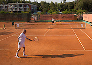 Mouratoglou Tennis Academy M.T.A Sophia Country Club, Biot, FRA.<br /> lesson for a senior player on court<br /> <br />  - Mouratoglou Tennis Academy  -  -   Sophia Country Club, - Biot -  - Frankreich  - 25 July 2016. <br /> &copy; Juergen Hasenkopf