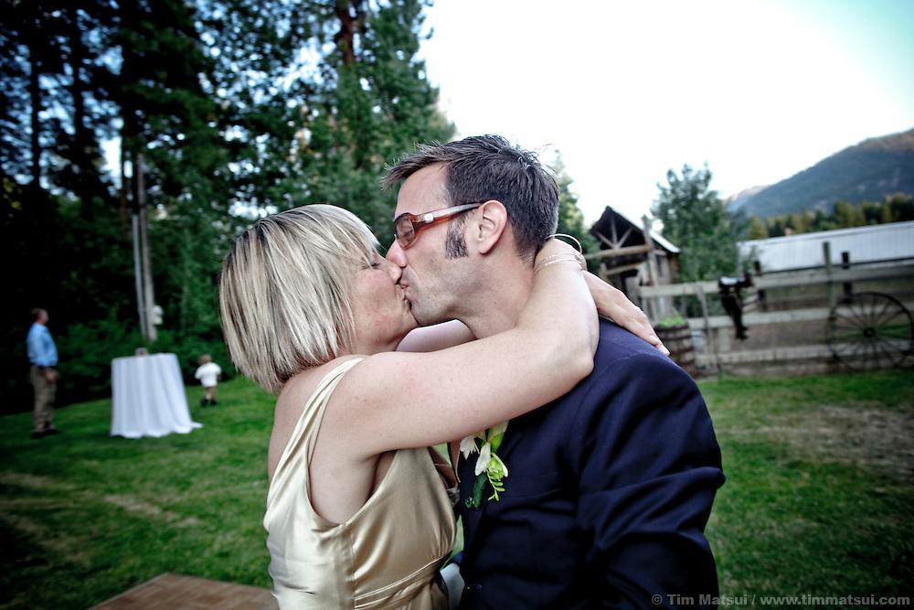 Wedding of Marshall and Megan in rural Mazama, Washington.