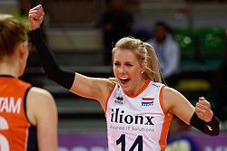04-01-2016 TUR: European Olympic Qualification Tournament Nederland - Duitsland, Ankara <br /> De Nederlandse volleybalvrouwen hebben de eerste wedstrijd van het olympisch kwalificatietoernooi in Ankara niet kunnen winnen. Duitsland was met 3-2 te sterk (28-26, 22-25, 22-25, 25-20, 11-15) / Laura Dijkema #14