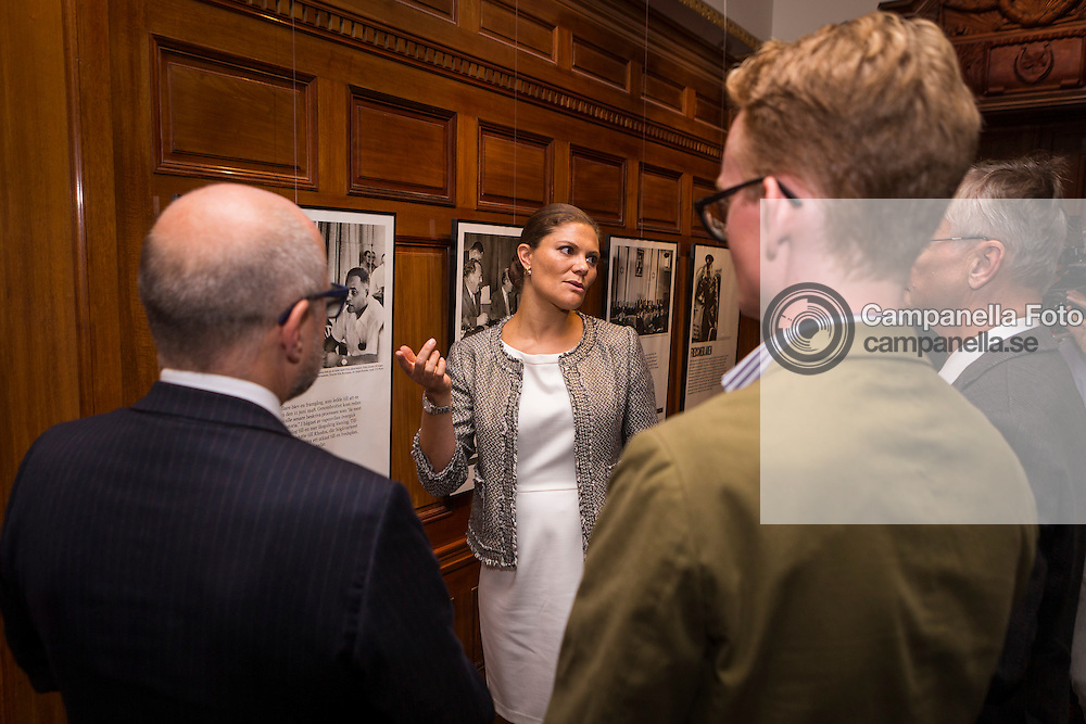 STOCKHOLM, SWEDEN - SEPTEMBER 17: Crown Princess Victoria of Sweden attends an opening of an exhibition at the Mediterranean Sea Museum on September 17, 2015 in Stockholm, Sweden. (Photo by Michael Campanella/Getty Images)