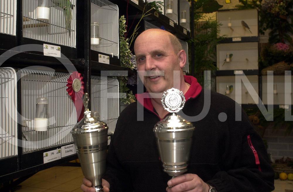 061122,ommen,nederland,<br /> prijs winnaar van 1 van de vele prijzen van de Tuinfluiters.<br /> fotografiefrankuijlenbroek&copy;2006sanderuijlenbroek