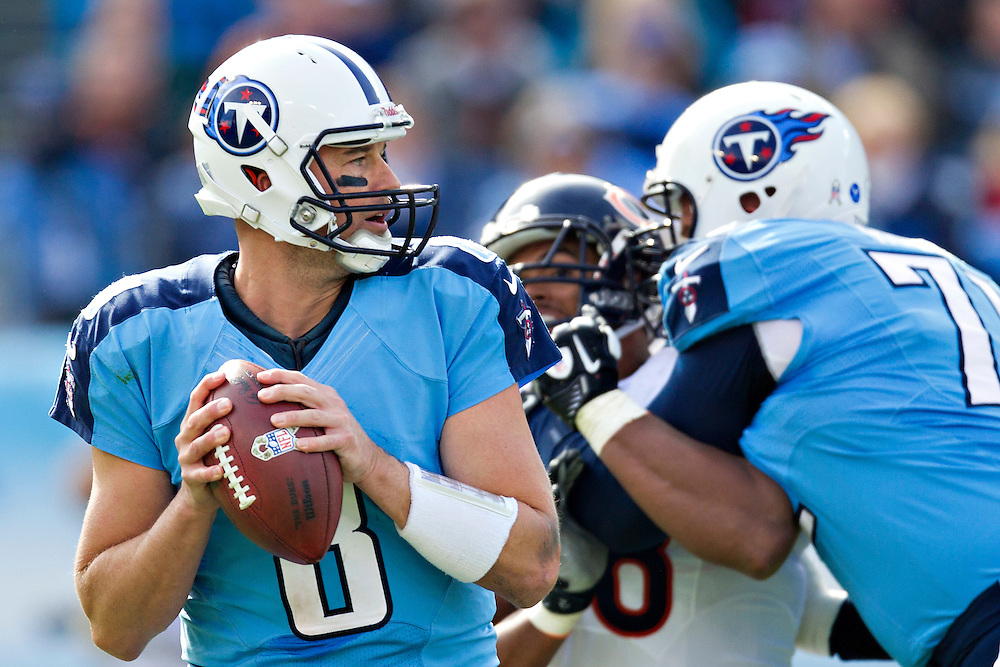 NASHVILLE, TN - NOVEMBER 4:  Matt Hasselbeck #8 of the Tennessee Titans drops back to pass against the Chicago Bears at LP Field on November 4, 2012 in Nashville, Tennessee.  The Bears defeated the Titans 51-20.  (Photo by Wesley Hitt/Getty Images) *** Local Caption *** Matt Hasselbeck