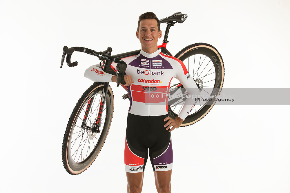 BELGIUM / BELGIQUE / BELGIE / SINT-KATELIJNE-WAVER / CX / CYCLOCROSS / VELDRIJDEN / CYCLO-CROSS / BEOBANK - CORENDON CYCLING TEAM / 2017-2018 / TOM MEEUSEN (BEL) /