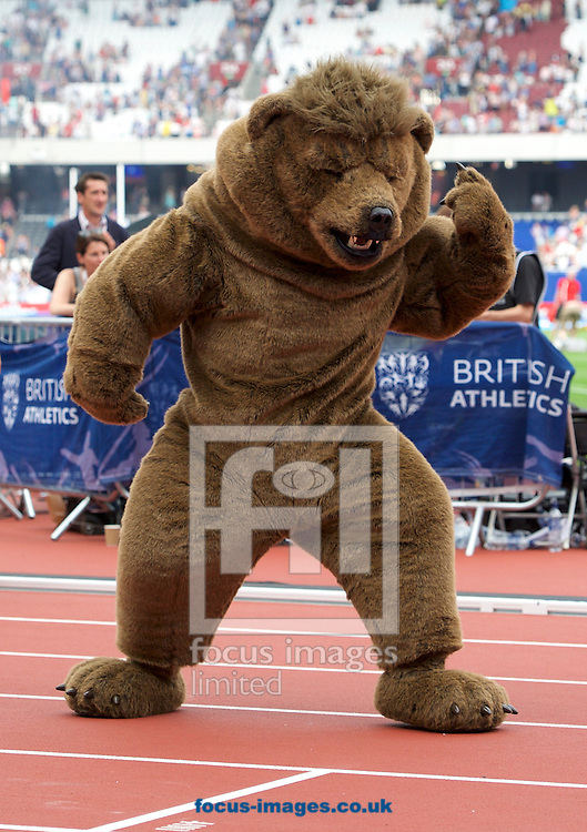 The M&uuml;ller bear shows off some moves during the M&uuml;ller Anniversary Games in the Stadium at Queen Elizabeth Olympic Park, London, UK<br /> Picture by Alan Stanford/Focus Images Ltd +44 7915 056117<br /> 23/07/2016