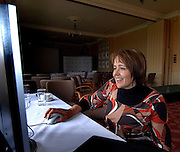 Queens Club, GREAT BRITAIN,  Dame Tanni GREY-THOMPSON,  checks out the new web-site, after the  press Conference to announce the joint initiative between British Paralympic Association and Deloitte  of 'www.Parasport.org.uk' online information service, on Thur's.  03.05.2007. London. [Credit: Peter Spurrier/Intersport Images]