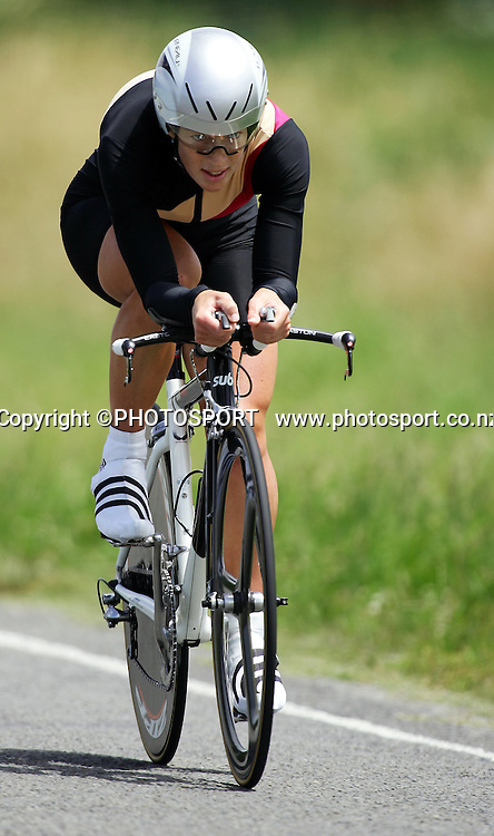 Melissa Holt, Waikato,on her way to winning the time trial section of the 2008 Lion Foundation Elite & under 23 men and women Road Cycling and Time Trial Championships, Napier, New Zealand, January 11, 2008. Photo: John Cowpland/PHOTOSPORT