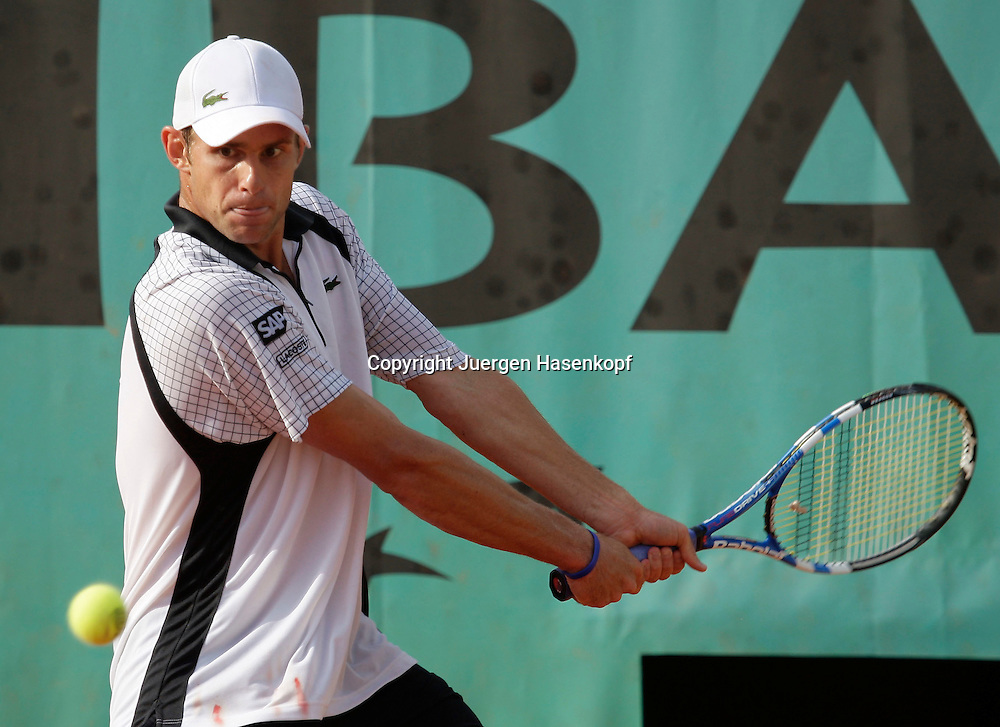 French Open 2009, Roland Garros, Paris, Frankreich,Sport, Tennis, ITF Grand Slam Tournament,  <br /> Andy Roddick (USA) spielt eine Rueckhand,backhand,action,<br /> <br /> Foto: Juergen Hasenkopf