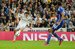 10.03.2015, Estadio Santiago Bernabeu, Madrid, ESP, UEFA CL, Real Madrid vs Schalke 04, Achtelfinal, R&uuml;ckspiel, im Bild Real Madrid&acute;s Gareth Bale and FC Shalke 04&acute;s Joel Matip // during the UEFA Champions League Round of 16, 2nd Leg match between Real Madrid and Schakke 04 at the Estadio Santiago Bernabeu in Madrid, Spain on 2015/03/10. EXPA Pictures &copy; 2015, PhotoCredit: EXPA/ Alterphotos/ Luis Fernandez<br /> <br /> *****ATTENTION - OUT of ESP, SUI*****