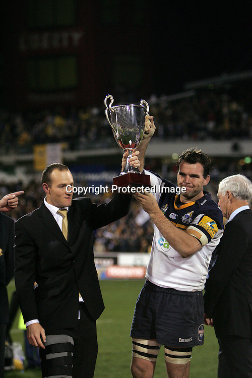 22 May, 2004. Super 12 Final, Canberra Stadium, Canberra ACT, Australia.<br /> Stirling Mortlock and Owen Finegan.<br /> The Brumbies defeated the Crusaders  48-37<br /> Please credit: Andrew Cornaga/Photosport
