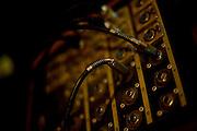 Belo Horizonte_MG, Brasil...Ensaio da banda Coracoes Dilacerados no Estudio Geleia. Na foto detalhe de um amplificador de som...The rehearsal of the Coracoes Dilacerados band in Geleia studio. In this a . audio amplifier detail...Foto: LEO DRUMOND / NITRO.