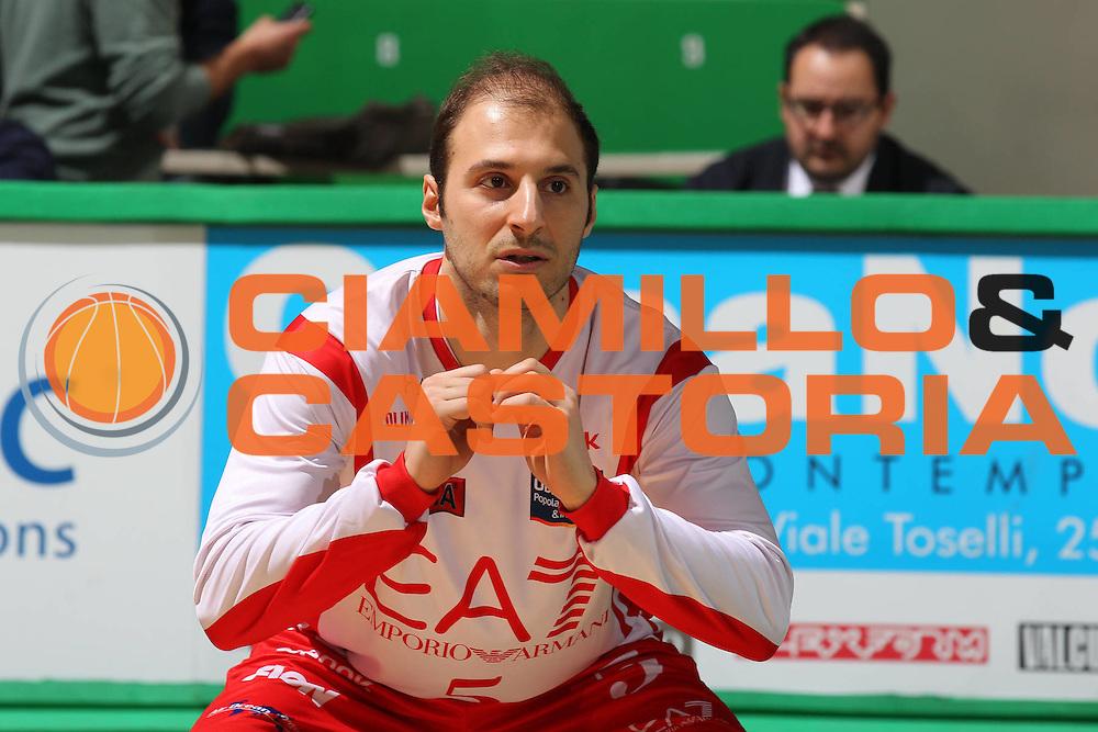 DESCRIZIONE : Siena Lega A 2011-12 Montepaschi Siena EA7 Emporio Armani Milano<br /> GIOCATORE : Jacopo Giachetti<br /> CATEGORIA : warm up prima della partita<br /> SQUADRA : EA7 Emporio Armani Milano<br /> EVENTO : Campionato Lega A 2011-2012<br /> GARA : Montepaschi Siena EA7 Emporio Armani Milano<br /> DATA : 04/03/2012<br /> SPORT : Pallacanestro<br /> AUTORE : Agenzia Ciamillo-Castoria/ElioCastoria<br /> Galleria : Lega Basket A 2011-2012<br /> Fotonotizia : Siena Lega A 2011-12 Montepaschi Siena EA7 Emporio Armani Milano<br /> Predefinita :