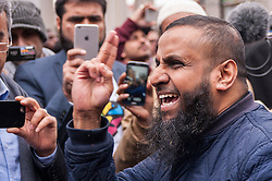© Licensed to London News Pictures. 02/04/2015. Baker Street, London, UK. Abu Saliha preaching outside the London Central Mosque during the Islamic Rally.  Photo credit : Stephen Chung/LNP