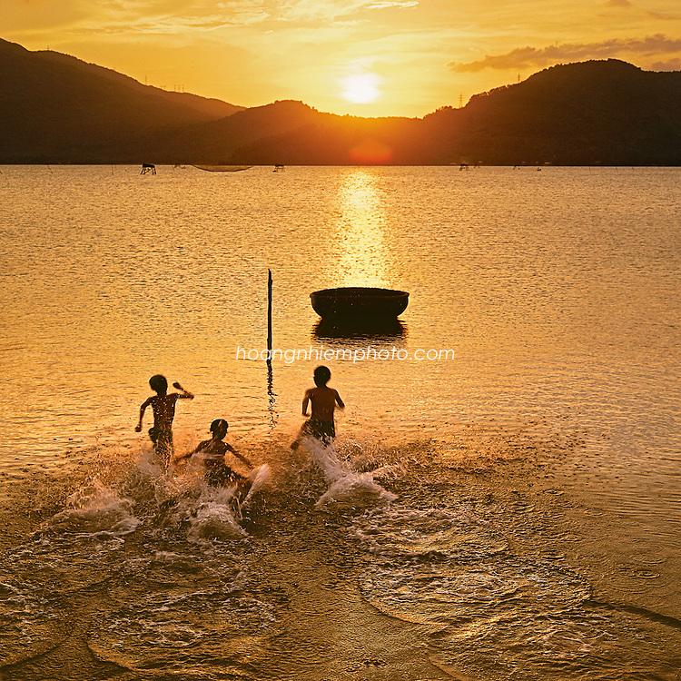 Vietnam Images-Seascape-nature-Hue phong cảnh việt nam hoàng thế nhiệm