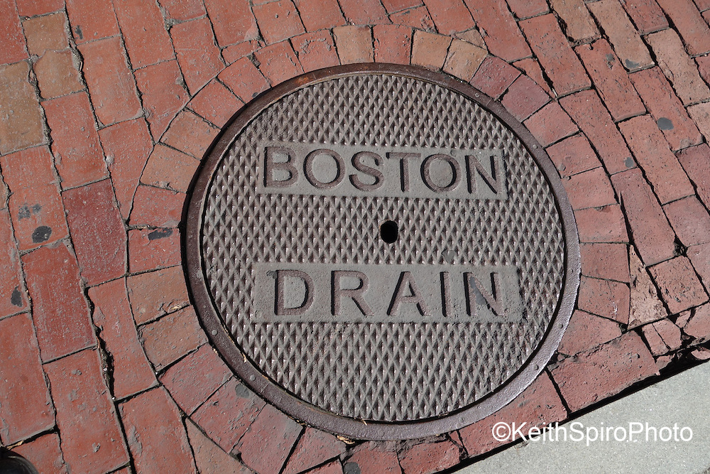 A series of intense images capturing the gritty and architecturally interesting sights of Boston and Cambridge Massachusetts