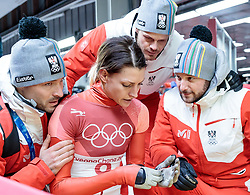 17.02.2018, Olympic Sliding Centre, Pyeongchang, KOR, PyeongChang 2018, Skeleton, Damen, 4. Lauf, im Bild Janine Flock (AUT) mit ihrem Team // Janine Flock of Austria with her Team reacts after the ladie's Skeleton heat 4 competition of the Pyeongchang 2018 Winter Olympic Games at the Olympic Sliding Centre in Pyeongchang, South Korea on 2018/02/17. EXPA Pictures © 2018, PhotoCredit: EXPA/ Johann Groder