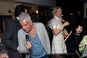 NICKY HASLAM; CAROLE MACK, An exhibition of watercolours by William Rayner at Mallet's, New Bond St. Party afterwards at Bellami's, bruton Place. London. 16 June 2010. .-DO NOT ARCHIVE-© Copyright Photograph by Dafydd Jones. 248 Clapham Rd. London SW9 0PZ. Tel 0207 820 0771. www.dafjones.com.