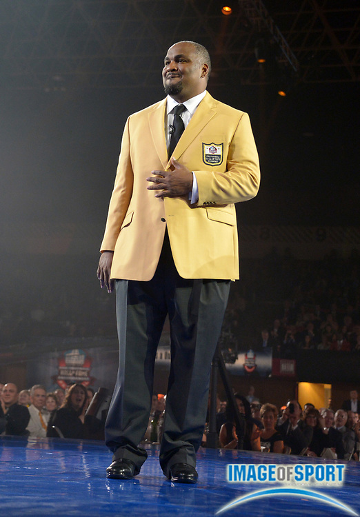 Aug 1, 2014; Canton, OH, USA; Walter Jones at the 2014 Pro Football Hall of Fame Enshrinees gold jacket dinner at Canton Memorial Civic Center.