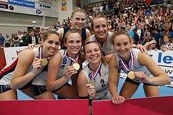 20190424 NED: Sliedrecht Sport - VC Sneek: Sliedrecht<br /> Sliedrecht Sport Nederlands Kampioen Volleybal Seizoen 2018 - 2019, Esther van Berkel (7), Sarah van Aalen (9), Brechtje Kraaijvanger (2), Ana Rekar (11) of Sliedrecht Sport, Florien Reesink (5), Esther Hullegie (3) of Sliedrecht Sport <br /> ©2019-FotoHoogendoorn.nl / Pim Waslander