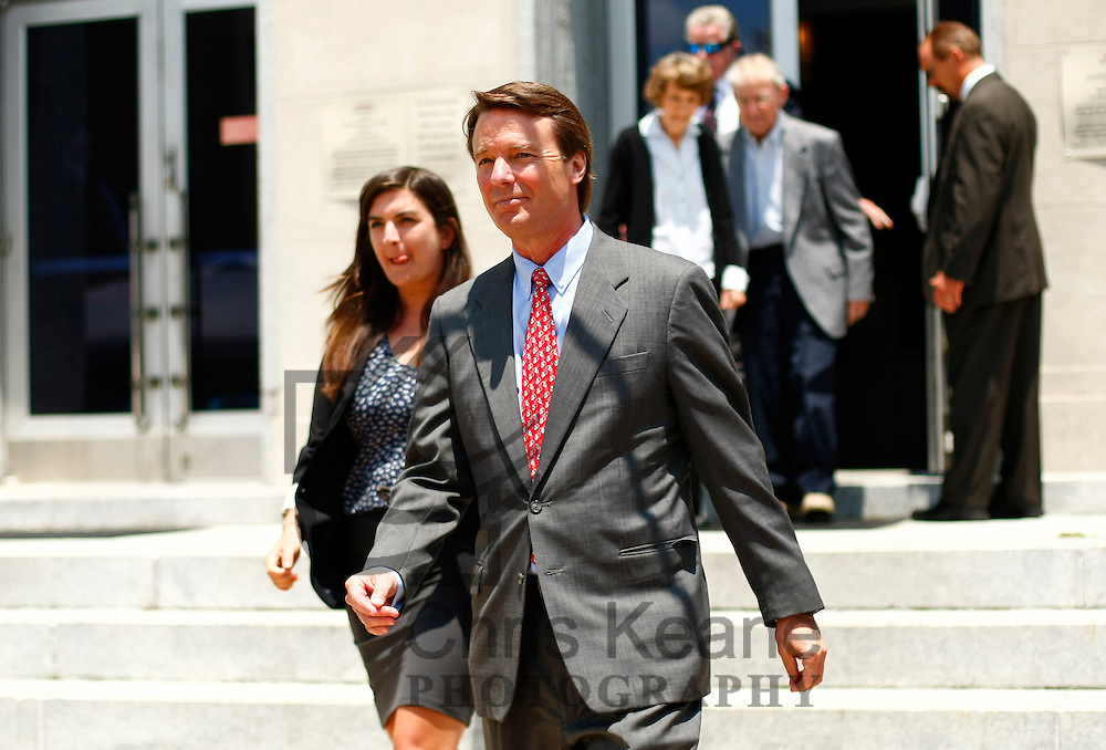 Former U.S. Senator John Edwards leaves the federal court house in Greensboro, North Carolina May 30, 2012. Wednesday is the eighth day of jury deliberations about whether Edwards broke federal campaign finance laws as he tried to conceal an affair while running for president in 2008. REUTERS/Chris Keane (UNITED STATES)
