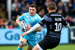 Duncan Weir of Worcester Warriors takes on Toby Flood of Newcastle Falcons - Mandatory by-line: Robbie Stephenson/JMP - 03/03/2019 - RUGBY - Kingston Park - Newcastle upon Tyne, England - Newcastle Falcons v Worcester Warriors - Gallagher Premiership Rugby