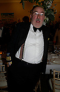 Anthony Green. Royal Academy Annual dinner to celebrate the opening of the Summer exhibition. Royal Academy. Piccadilly. London. 1 June 2005.  ONE TIME USE ONLY - DO NOT ARCHIVE  © Copyright Photograph by Dafydd Jones 66 Stockwell Park Rd. London SW9 0DA Tel 020 7733 0108 www.dafjones.com