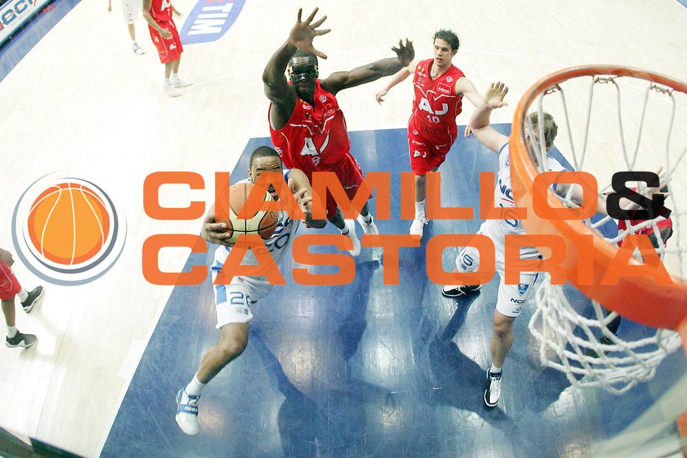 DESCRIZIONE : Cantu Lega A1 2008-09 NGC Cantu Armani Jeans Milano<br /> GIOCATORE : BJ Elder<br /> SQUADRA : NGC Cantu<br /> EVENTO : Campionato Lega A1 2008-2009<br /> GARA : NGC Cantu Armani Jeans Milano<br /> DATA : 08/03/2009<br /> CATEGORIA : Special Penetrazione<br /> SPORT : Pallacanestro<br /> AUTORE : Agenzia Ciamillo-Castoria/G.Cottini