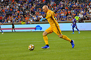 Atlanta United FC goalie Brad Guzan (1) clears the ball from goal during a MLS soccer game, Wednesday, September 18, 2019, in Cincinnati, OH. Atlanta defeated Cincinnati 2-0. (Jason Whitman/Image of Sport)