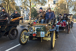November 6, 2016 - London, UK - London, UK. Participants taking part in the 120th Bonhams London to Brighton Veteran Car Run depart from central London.  The Run commemorates the Emancipation Run of 14 November 1896, which celebrated the Locomotives on the Highway Act, when the speed limit for 'light locomotives' was raised from 4 mph to 14 mph, abolishing the need for vehicles to be preceded by a man on foot.  The 60 mile journey is undertaken by 400 pre-1905 manufactured vehicles, some of which suffer frequernt breakdowns. (Credit Image: © Stephen Chung/London News Pictures via ZUMA Wire)