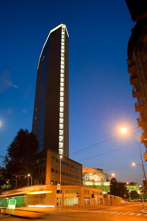 Europe, Italy, Lombardy, Milan, Night, beautiful, color, Pirelli,skyskraper