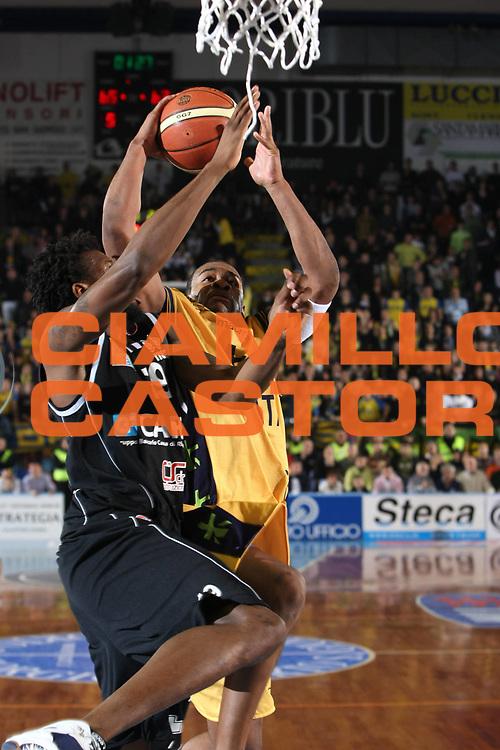 DESCRIZIONE : Porto San Giorgio Lega A1 2008-09 Premiata Montegranaro Carife Ferrara<br /> GIOCATORE : Ricky Minard<br /> SQUADRA : Premiata Montegranaro <br /> EVENTO : Campionato Lega A1 2008-2009<br /> GARA : Premiata Montegranaro Carife Ferrara<br /> DATA : 18/01/2009<br /> CATEGORIA : Tiro<br /> SPORT : Pallacanestro<br /> AUTORE : Agenzia Ciamillo-Castoria/C.De Massis