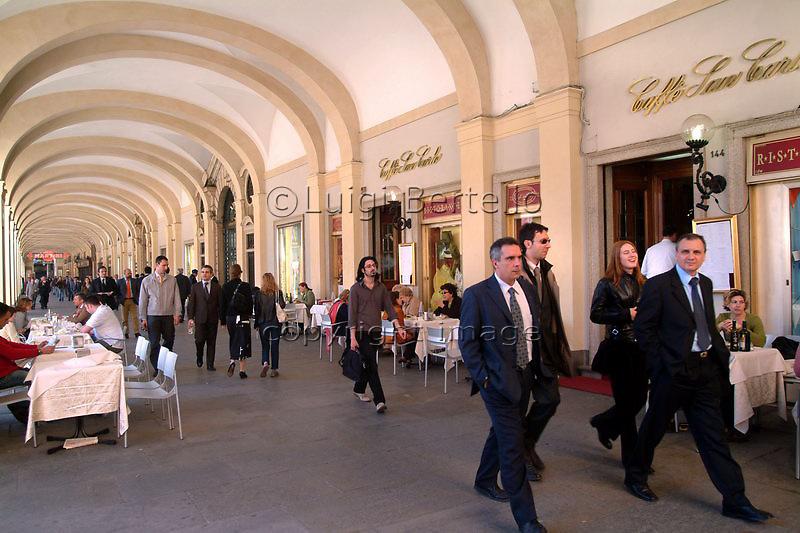 Torino i portici in piazza San Carlo