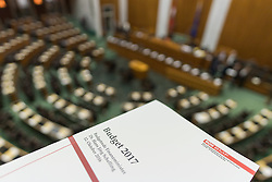 12.10.2016, Parlament, Wien, AUT, Parlament, Nationalratssitzung, Sitzung des Nationalrates mit Budgetrede des Finanzministers, im Bild Feature // during meeting of the National Council of austria according to government budget 2017 at austrian parliament in Vienna, Austria on 2016/10/12, EXPA Pictures © 2016, PhotoCredit: EXPA/ Michael Gruber