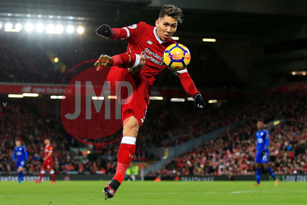 Roberto Firmino of Liverpool fires a shot at goal - Mandatory by-line: Matt McNulty/JMP - 30/12/2017 - FOOTBALL - Anfield - Liverpool, England - Liverpool v Leicester City - Premier League