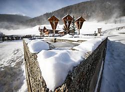 """THEMENBILD - Das Tief """"Axel"""" sorgt seit Tagen für unangenehmes, teils tiefwinterliches Wetter und zahlreiche Behinderungen in Europa. Auch in der Glocknergemeinde bläst der Wind noch kräftig, und es ist bitterkalt. Hier im Bild  Dorfbrunnen und die """"Drei Kreuze"""" im Kalser Ortsteil """"Grossdorf"""".Aufgenommen am 6. Jänner in Kals am Grossglockner, Österreich // The storm """"Axel"""" has been responsible for unpleasant, partly deep winter weather and numerous disabilities in Europe for days. Also in the Grossglockner village Kals wind blows still vigorously, and it is very cold. Pictured on 6 January 2017 in Kals am Grossglockner, Austria. EXPA Pictures © 2017, PhotoCredit: EXPA/ Johann Groder"""