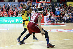 09.12.2017, Audi Dome, Muenchen, GER, EasyCredit BBL, FC Bayern Muenchen Basketball vs MHP Riesen Ludwigsburg, 12. Runde, im Bild Kerron Johnson (Ludwigsburg) im Zweikampf mit Devin Booker (Muenchen) // during the easyCredit Basketball Bundesliga 12th round match between MHP Riesen Ludwigsburg and 12.Spieltag at the Audi Dome in Muenchen, Germany on 2017/12/09. EXPA Pictures &copy; 2017, PhotoCredit: EXPA/ Eibner-Pressefoto/ Marcel Engelbrecht<br /> <br /> *****ATTENTION - OUT of GER*****