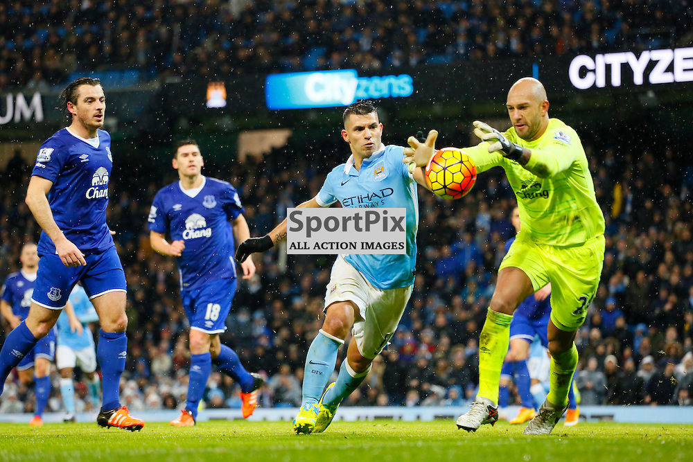 Sergio Aguero can't beat Tim Howard during Manchester City vs Everton, Barclays Premier League, Wednesday 13th January 2016, Etihad Stadium, Manchester