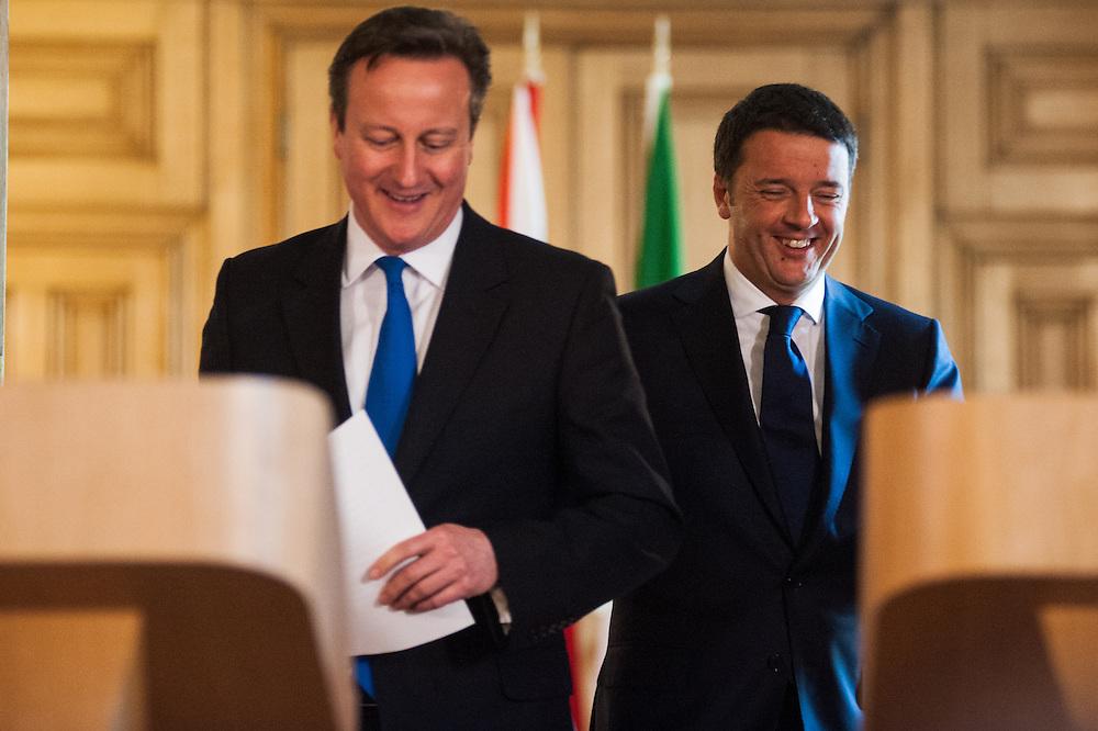 Foto Piero Cruciatti / LaPresse<br /> 01-04-2014 Londra, Gran Bretagna<br /> Politica<br /> Conferenza stampa congiunta del Presidente del Consiglio Matteo Renzi e del Primo Ministro inglese David Cameron a Downing Street.<br /> Nella foto: David Cameron, Matteo Renzi<br /> <br /> Photo Piero Cruciatti / LaPresse<br /> 01-04-2014 London, United Kingdom<br /> Politics<br /> Joint press conference of Prime Minister Matteo Renzi and Prime Minister David Cameron at Downing Street.<br /> In the photo:  David Cameron, Matteo Renzi