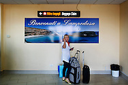 Lampedusa, Italia - 1 luglio 2011. La zona arrivi dell'aeroporto di Lampedusa. Gli arrivi di turisti rispetto alla scorsa stagione sono calati del 70%..Ph. Roberto Salomone Ag. Controluce