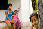 Santos Dumont_MG, Brasil...Familia beneficiada pela eletrificacao rural...A family benefited by the rural electrification...Foto: LEO DRUMOND / NITRO