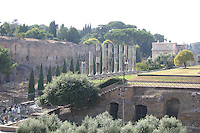 Historical roman ruins, Rome, Italy<br />