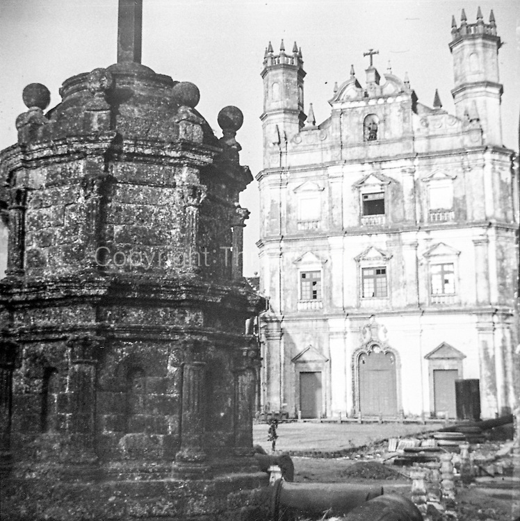 The Church of St. Francis of Assisi was built in 1661 by the Portuguese in the Portuguese Viceroyalty of India. The Church of St. Francis of Assisi, together with a convent, was established by eight Portuguese Franciscan friars who landed in Goa in 1517.