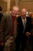Peter O'Toole and Ned Sherrin. The Oldie Of The Year Awards,  Simpsons in the Strand, London. 22 March 2005. ONE TIME USE ONLY - DO NOT ARCHIVE  © Copyright Photograph by Dafydd Jones 66 Stockwell Park Rd. London SW9 0DA Tel 020 7733 0108 www.dafjones.com