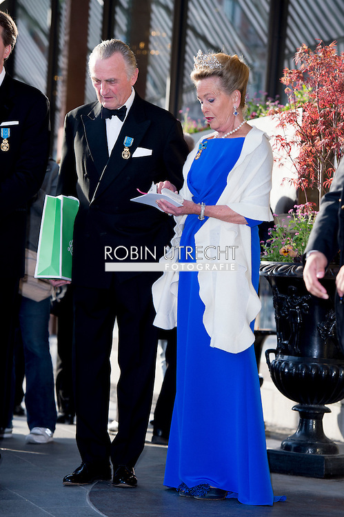 30-4-2016 - Princess Elisabeth, Duchess in Bavaria &amp; Prince Max, Duke in Bavaria princess beatrix Chris O'Neill, Princess Madeleine of Sweden, Crown Princess Victoria of Sweden, Oscar Carl Olof, Princess Estelle, Prince Daniel, Princess Sofia, Prince Carl Philip, King Carl Gustaf and Queen Silvia King Carl Gustaf, Queen Silvia, Crown Princess Victoria, Prince Daniel, Prince Carl Philip, Princess Madeleine and Chris O&rsquo;Neill  The Swedish Armed Forces&rsquo; celebration &ndash; The Outer Courtyard celebration of The King&rsquo;s 70th birthday celebration of The King&rsquo;s 70th birthday STOCKHOLM COPYRIGHT ROBIN UTRECHT<br /> 30-4-2016 - prinses Beatrix Chris O'Neill, Prinses Madeleine van Zweden, Kroonprinses Victoria van Zweden, Oscar Carl Olof, Prinses Estelle, Prins Daniel, Princess Sofia, prins Carl Philip, koning Carl Gustaf en koningin Silvia Koning Carl Gustaf , koningin Silvia, kroonprinses Victoria, Prins Daniel, prins Carl Philip, prinses Madeleine en Chris O'Neill De Zweedse strijdkrachten 'viering - The Outer Courtyard viering van The King's 70ste verjaardag viering van de koning van zweden  70ste verjaardag STOCKHOLM