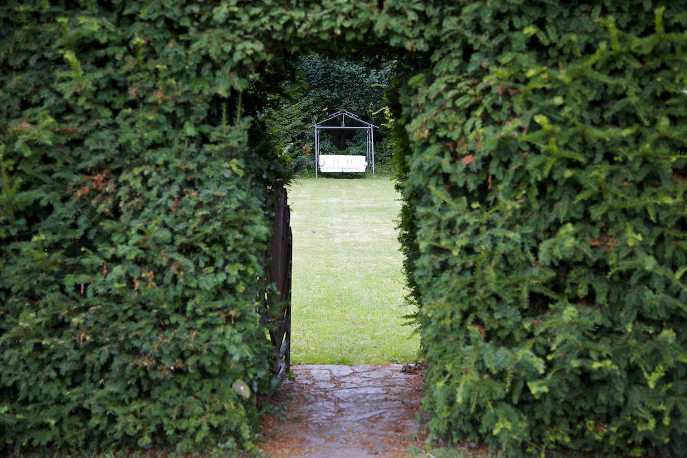 View through to one of the gardens at The Old Rectory, Chumleigh, Devon <br /> CREDIT: Vanessa Berberian for The Wall Street Journal<br /> LUXRENT-Nanassy/Chulmleigh