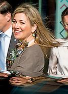 Koningin Maxima is woensdag 30 maart 2016 aanwezig bij het symposium 'Muziekeducatie doen we samen'